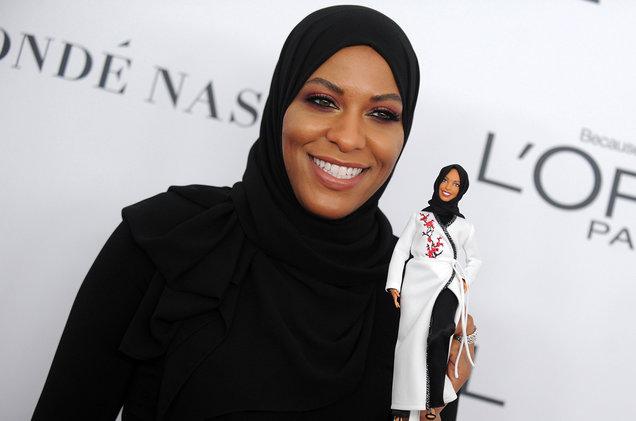 2CGSuTF Hijab-Wearing Barbie and Social Responsiveness