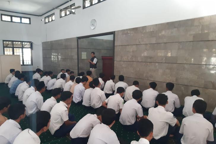 Giat PLS di SMK Al-Musaddadiyah Garut Kaya Akan Sentuhan Nilai-Nilai Spiritual