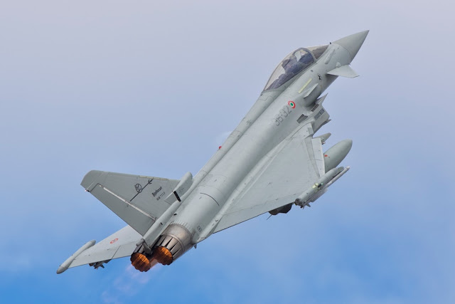 DOUBLE SCRAMBLE FOR ITALIAN EUROFIGHTER JETS