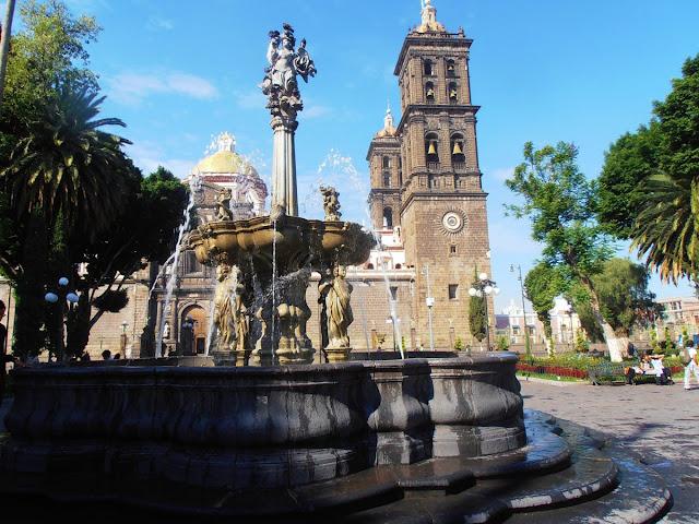 Evalúa INAH proyecto en el Zócalo de Puebla para garantizar la preservación de sus valores patrimoniales
