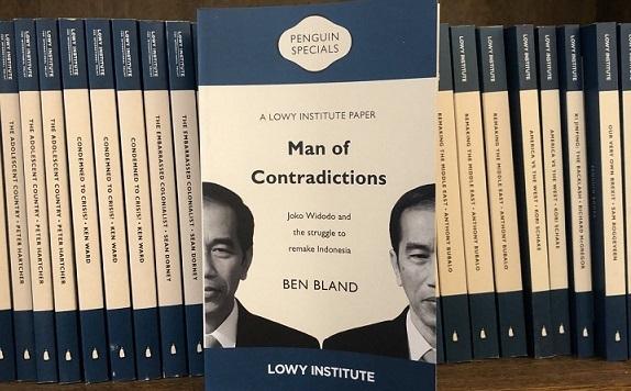Buku Man of Contradictions Sindir Kegagalan Proyek Infrastruktur Jokowi Di Bitung