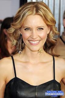 كادى ستريكلاند (KaDee Strickland)، ممثلة أمريكية