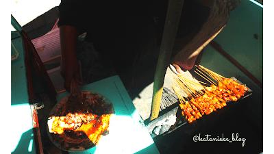 Penjual sate di Sarangan, Magetan