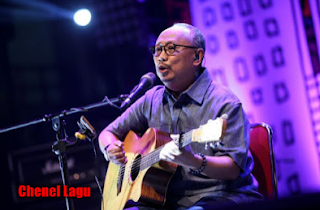 download lagu Ebiet G Ade Mp3