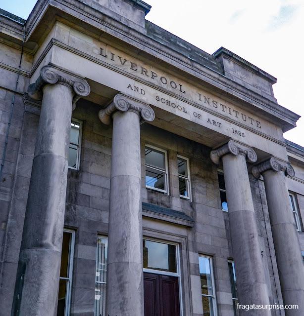 fachada do Liverpool Institute, escola de Paul McCartney e George Harrison