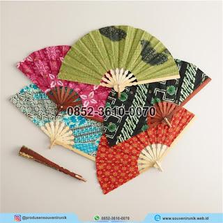 harga souvenir kipas batik, souvenir kipas batik murah, 0852-3610-0070