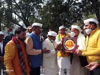 गांधी भवन में शहीद स्मारक पर माल्यार्पण कर किया गया चौरी चौरा शताब्दी महोत्सव का शुभारम्भ