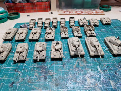 Late War German Artillery And Vehicles Vallejo Colours picture 3