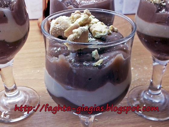 Κρέμα μπισκότου στο ποτήρι