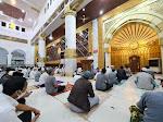 Bupati Wajo Shalat Tarwih Pertama di Masjid Ummul Quraa Sengkang
