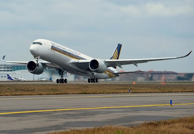 Singapore Airlines With Airbus A350-900 XWB