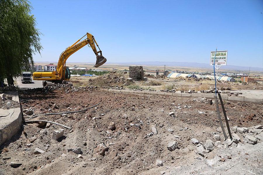 Tepkiye neden olan 500 Evler mevkiindeki bozuk yollar onarılmaya başlandı