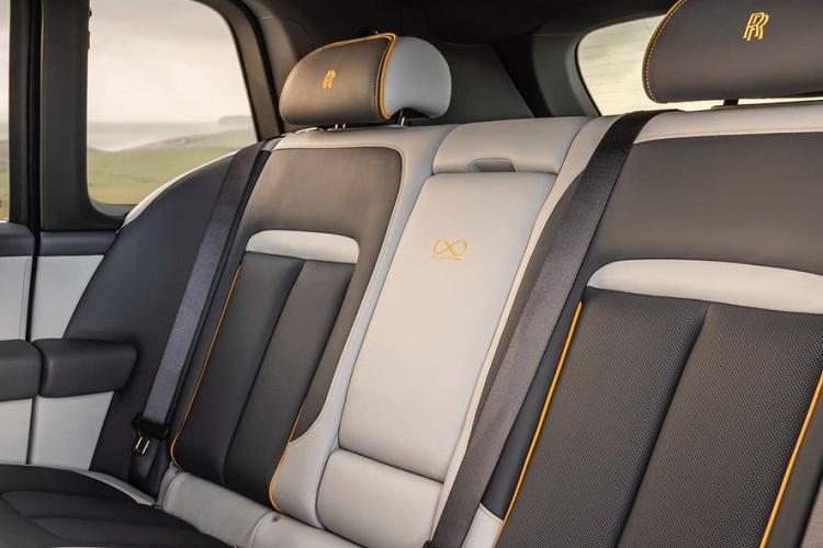 Chiêm ngưỡng độc bản Rolls-Royce Cullinan Black Badge 'Capella'