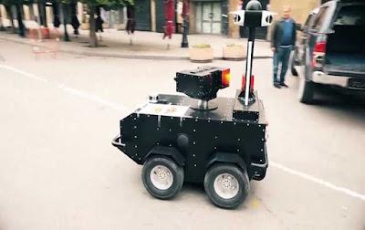 روبوت تونسي PGuard يتجول في الشوارع و يحث الناس على ملازمة بيوتهم