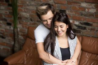 7 Perilaku Umum Wanita Saat Pacaran