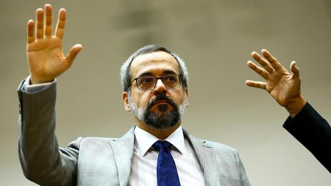 Ministro da Educação, Abraham Weintraub, deixa o cargo
