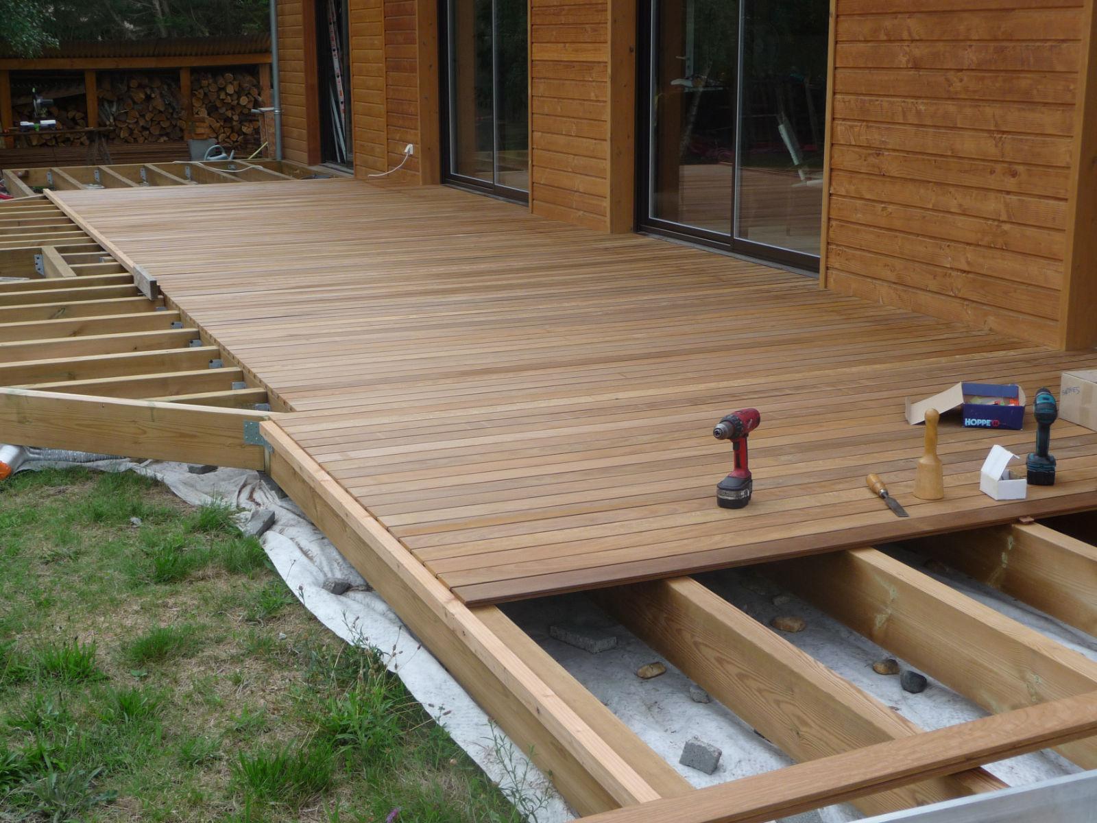 pose terrasse bois quinconce diverses id es de conception de patio en bois pour. Black Bedroom Furniture Sets. Home Design Ideas