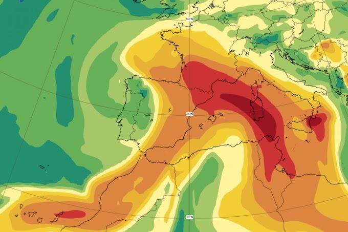 Nube di zolfo ad alta concentrazione sull'Europa: proviene dal vulcano della Palma