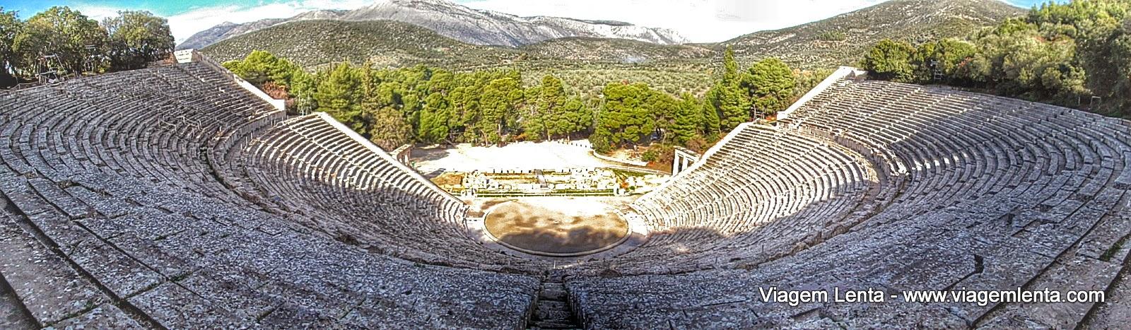 O impressionante teatro de Epidravus