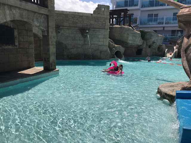 the splash pool at Pirates village hotel