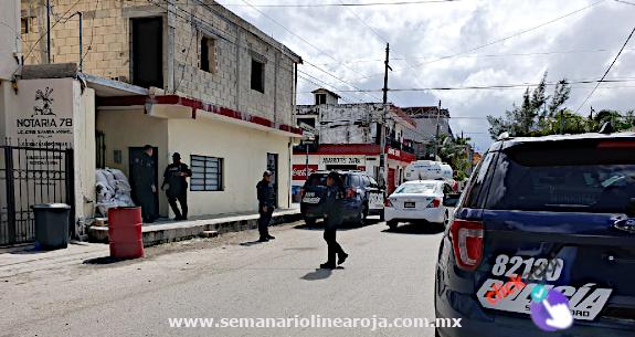 Mujer acusa a policías ministeriales por supuesto robo de 50 mil pesos