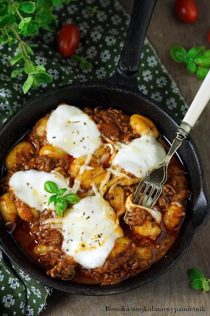 gnocchi, sos, mieso mielone, obiad, bolognese, pomidory, bernika, kulinarny pamietnik