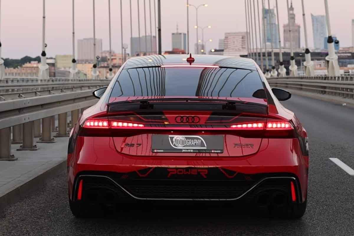 تسارع أسرع أودي RS7 في العالم