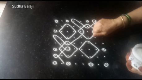 eight-dots-sikku-kolam-pic-1ab.png