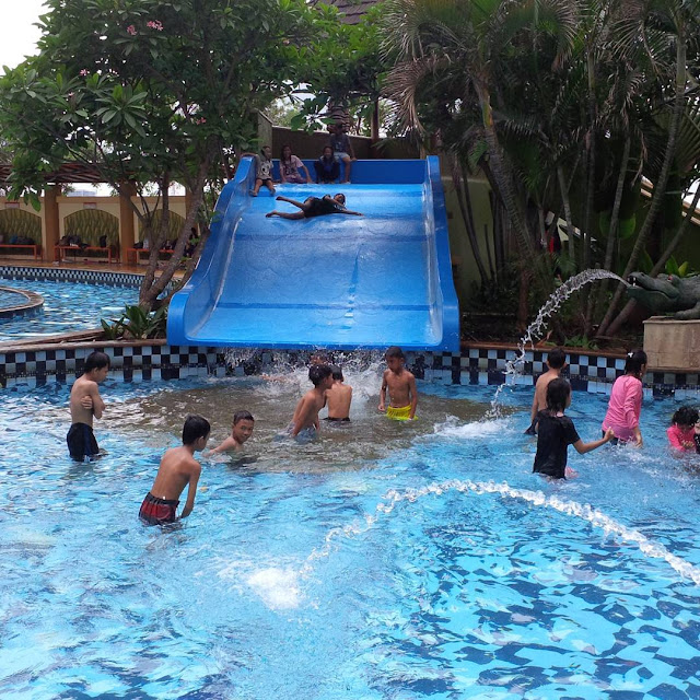 foto marcopolo waterpark serpong