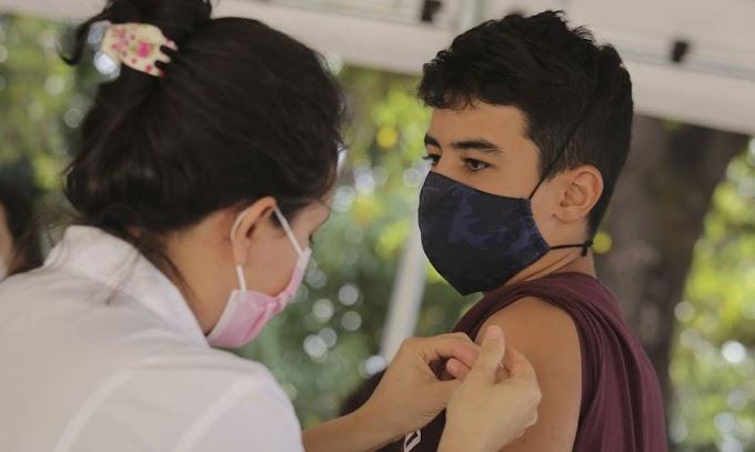 Ministério da Saúde volta a recomendar vacinação de adolescentes