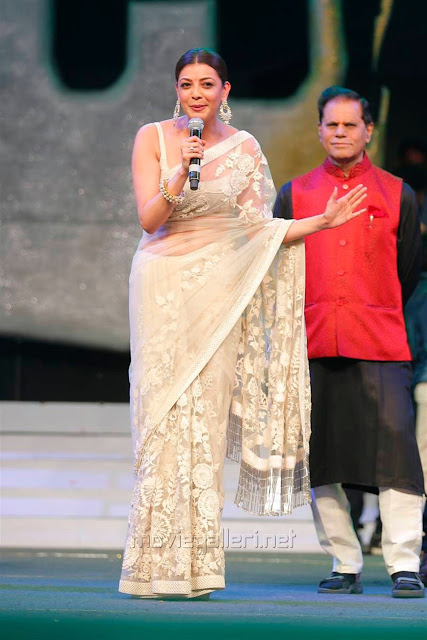 Kajal Aggarwal In Beautiful Designer Saree at Khiladi 150 Meet (11)