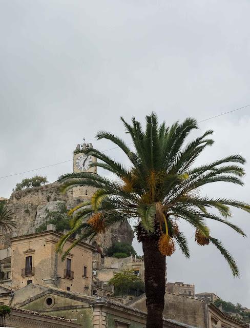 Modica, Orologio del Castello dei Conti ©Valeriaderiso