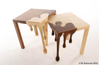 Fantásticas mesas  tallada a mano.