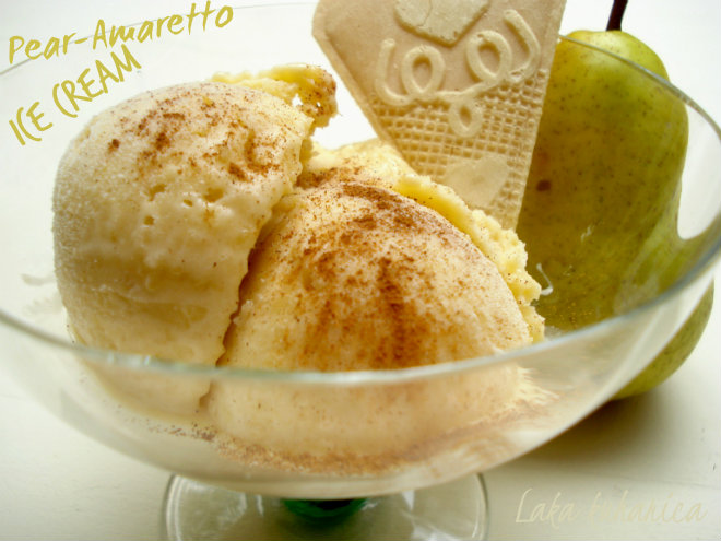 Pear and Amaretto ice cream by Laka kuharica: enjoy icy flavors of fresh pear, Amaretto and cinnamon.