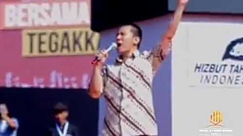 Pidato di Forum HTI, Pendakwah Felix Siauw: Khilafah Akan Kembali