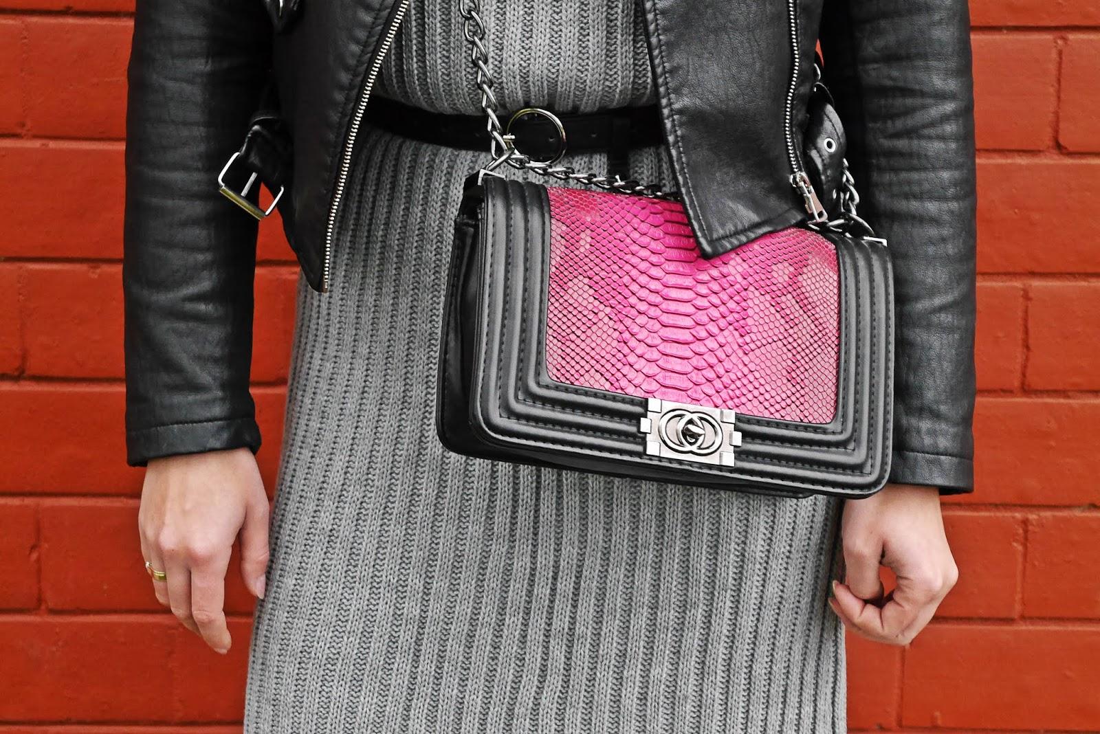 różowa torebka szary sweter karyn blog modowy blogerka modowa
