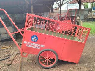gerobak sampah jakarta
