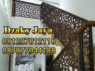 model railing tangga besi tempa, railing tangga klasik, railing tangga besi ulir (9)