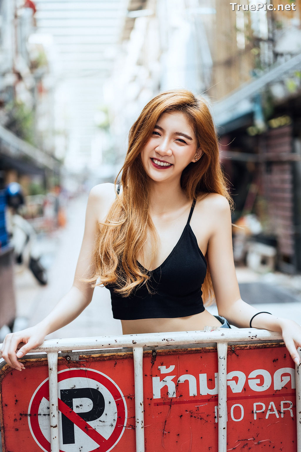 Image Thailand Model - Sasi Ngiunwan - Black Crop Tops and Jean - TruePic.net - Picture-5