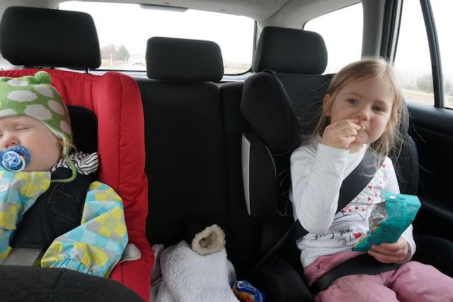 lasten kanssa Virossa omalla autolla