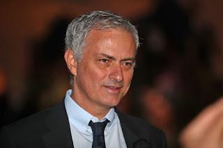 Tottenham đã bí mật 'trảm' Pochettino và 'đi đêm' với Mourinho như thế nào
