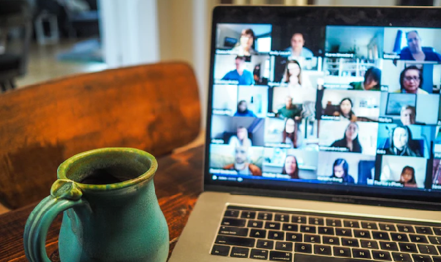 Facebook collaborates with a few video calling services to introduce new features