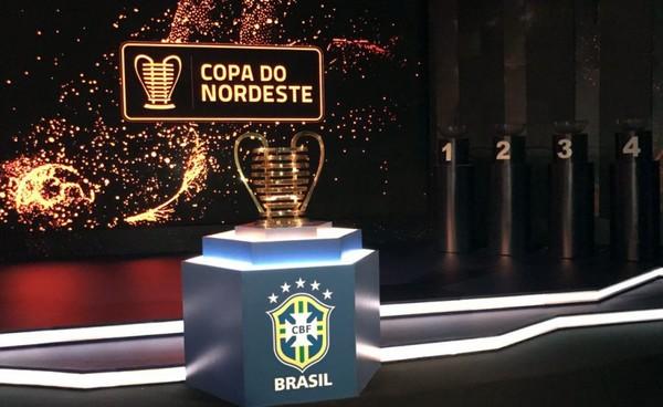 MARTIR ESPORTES  Botafogo apresenta elenco e divulga o uniforme para ... d6eee063288f0