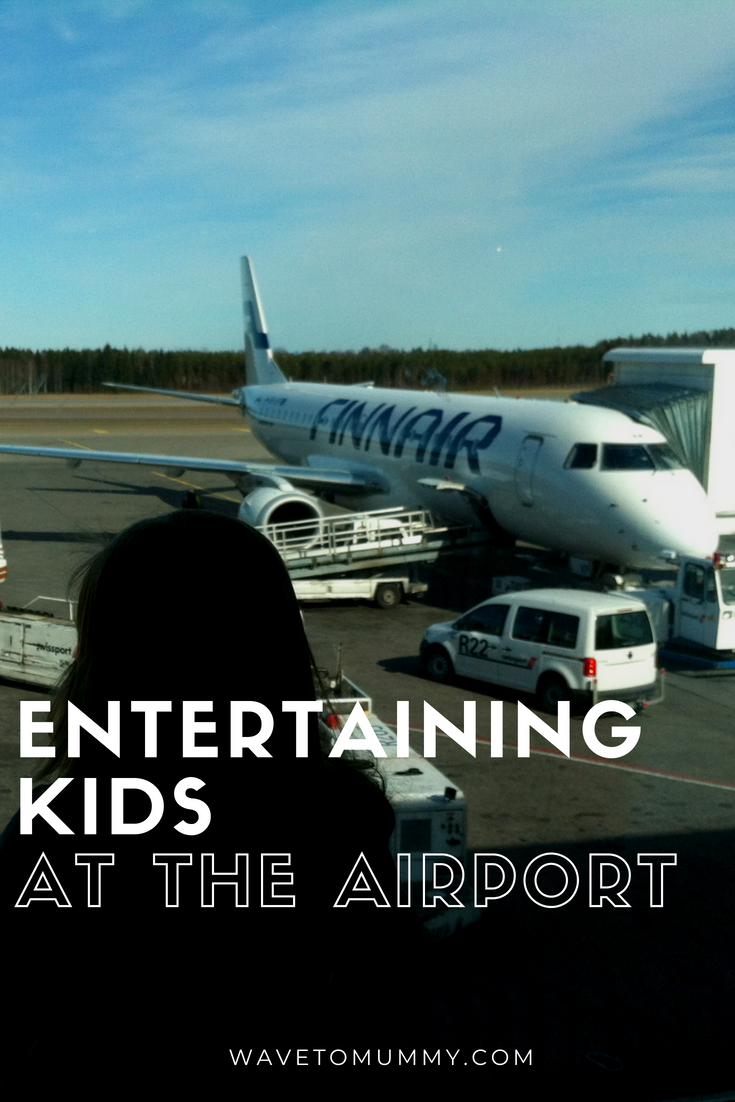 Entertaining kids at the airport - top tips for families flying and fun ideas when waiting for a flight with kids