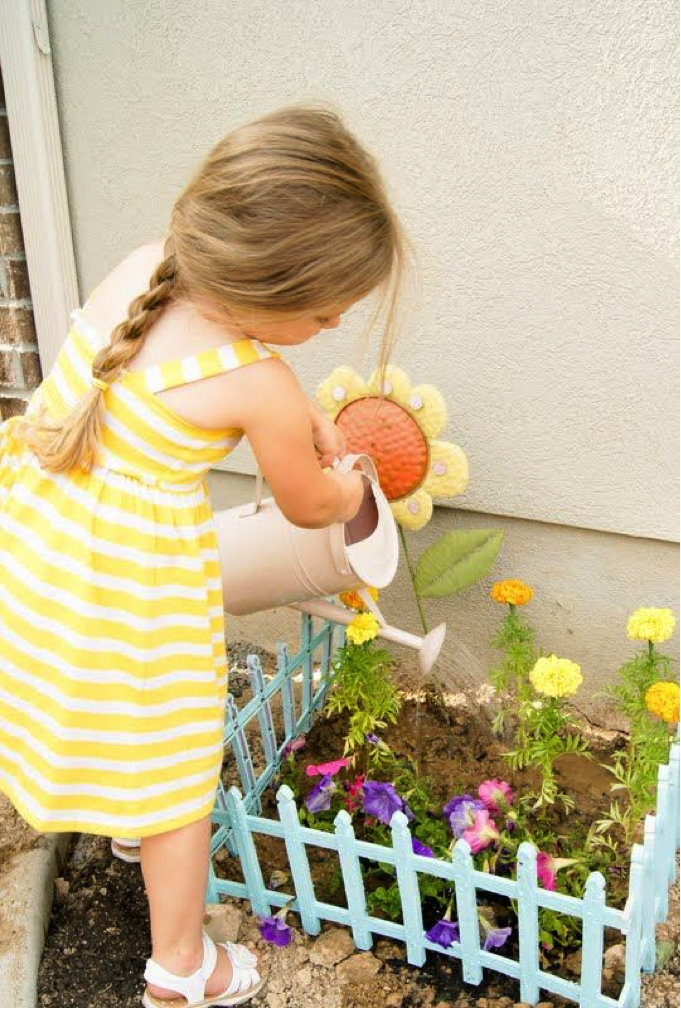 50+ GARDENING ACTIVITIES & CRAFTS FOR KIDS: so many fun ideas!  I can't wait to try the sandbox garden! #gardeningforkids #springactivitiesforkids #springcraftsforkids