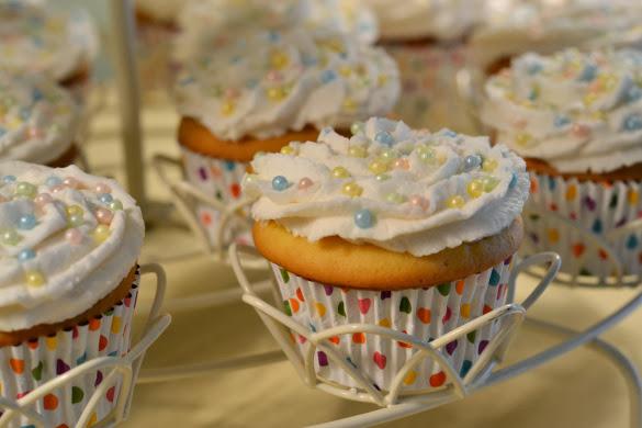 sprinkled icing cupcakes