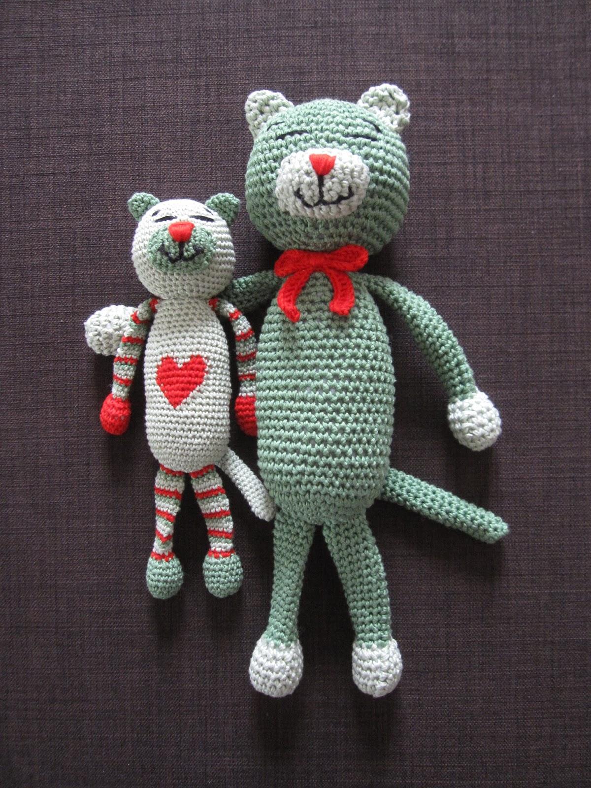 Kostenlose Spielende Katzen Amigurumi Häkelanleitung - Little Bear ... | 1600x1200