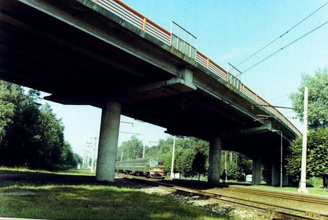 Мост через железную дорогу в Дзинтари