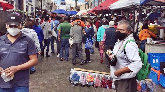 Mientras Claudia Rivera está de vacaciones, Puebla se encuentra en jaque por ambulantes