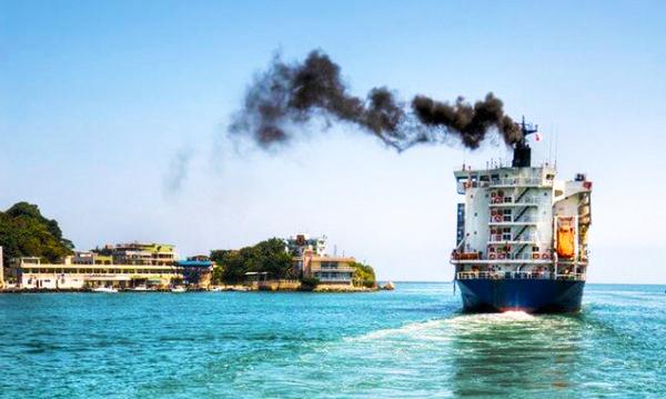 Limbah gas industri pariwisata dapat berasal dari pembakaran bahan bakar kapal laut